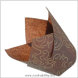 Easybake Tulip Muffin Wraps Brown Gold Swirl. Original product image, © Cookability