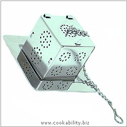 Cookability Dice Shaped Tea Infuser. Original product image, © Cookability
